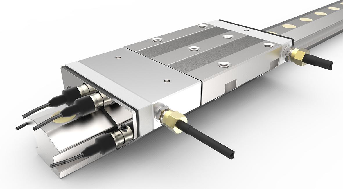 INA直线技术部的研发项目, 第二代HLE紧凑型全静压导轨首次集成压力传感器。使用4.0功能可主动控制工件加工,使加工质量和效率得到提高。鞍板中的压力腔内填充有滑动材料以防止碰撞发生。在最新一代的HLE-A-XL产品中, 该滑动材料已经被特殊的铜镀层更换掉,以确保非常良好的阻尼性能。 压力腔数据用于机床的主动调控 由于机床动态性能和功率密度的提高,动态刚性和振动阻尼的作用越来越重要。除了用阻尼滑块RUDS结合滚子单轨导引系统RUE- E进行阻尼吸振外,舍弗勒还提供紧凑型全静压导轨系统HLE-A-XL。该静